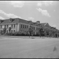 UNTA_U0458-092-191-01 The front of Chilton Hall as it looked in 1942.