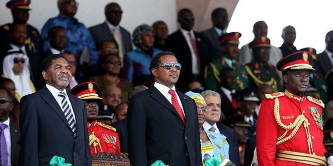 President Jakaya Kikwete and Zanzibari president Ali Mohamed Shein at celebrations of the 50th anniversary of the Union in Dar Es Salaam. April 26, 2014. (Xinhua/Zhang Ping)