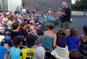 Manfred Braun beim Kindervortrag. Foto: NABU/S. Kolberg
