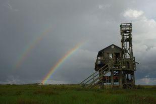 Doppelter Regenbogen über der Hütte (Foto: Tore J. Mayland-Quellhorst).