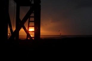 Der Sonnenaufgang wird vom Gewitter verschluckt (Foto: Jonas Kotlarz)