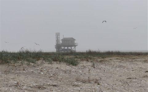 Die Hütte verschwindet langsam im Nebel (Foto: A. de Walmont)