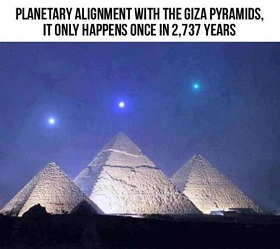 Planetary alignment over Giza Pyramids