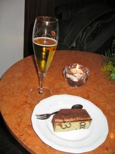 """Das Abendessen des Berichterstatters (in Frankfurt/M): """"Zog die Torte der Hauptspeise vor"""""""