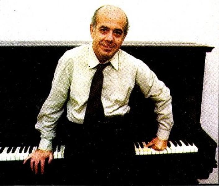 """Francesco Pennisi (1934-2000), musste sich aufgrund von Gliederschmerzen häufig """"setzen"""""""