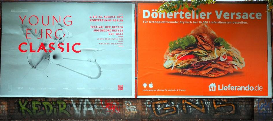 Plakatwerbung in Berlin. Foto: Hufner