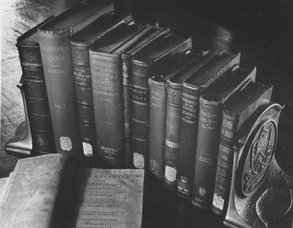 Books_(photo_1947)_AC112_BoxMP4_#66