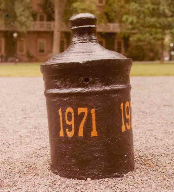 Cannon_1971_AC111_Box_SP02_No._281
