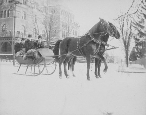 Sleighing_in_front_of_University_Hall_H.O._Brown,_Driving_J.W._Davis,_FP,_Perkins_&_P.G._Walker,_Rear_all_Class_of_1895_ca1895_Twitter
