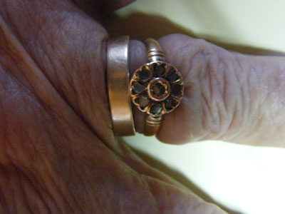 Sortija de María Alonso con la que su hermana Josefina se hizo un anillo