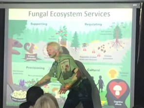 Anders Wahlberg, champion of the red list, presenting the many services Fungi provide us with.