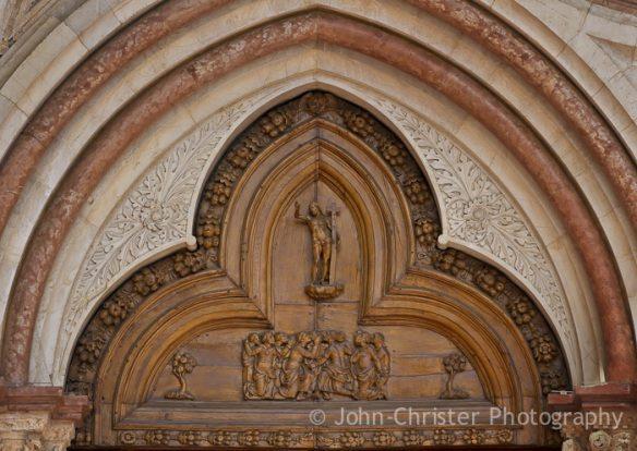 pediment-detail-side-entr-basilica-st-francis