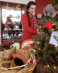 artisan gift shop at rogue gallery and art center, medford, oregon 2015