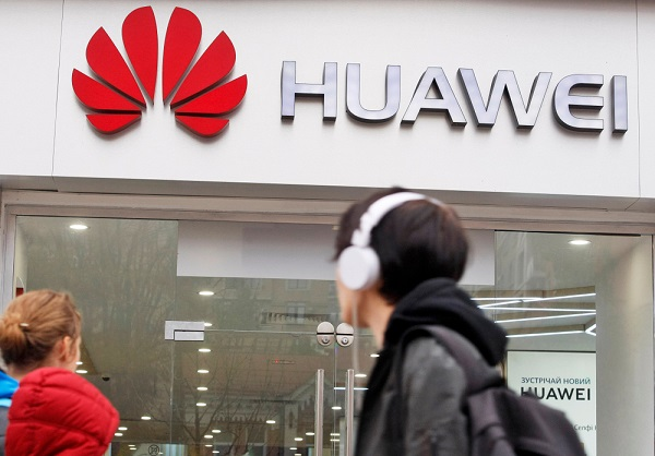 1 Huawei Apologizes After Claiming DSLR Photos