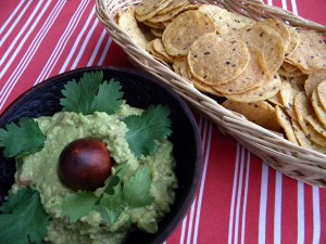 guacamole and whole wheat dipping chips