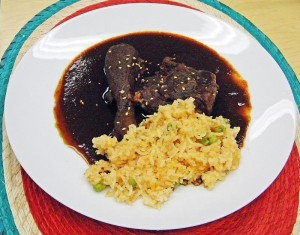 Mole poblano con arroz a la mexicana