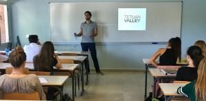 Karel Escobar, de Tetuan Valley, en el taller de emprendimiento de la UCJC