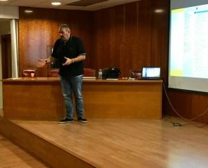 Álvaro Merino durante su charla a alumnos de Protocolo y Organización de Eventos