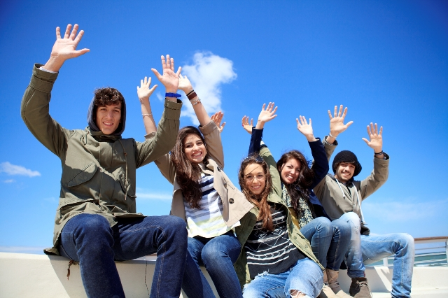 Resultado de imagen de jovenes universitarios
