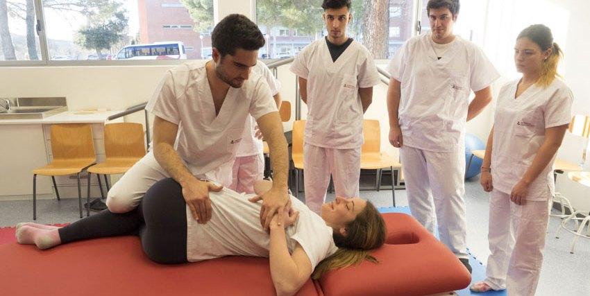 Alumnos de Fisioterapia en la Universidad Camilo José Cela UCJC