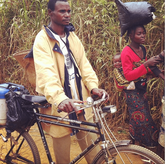 Fred Tissandier ‏@ftissandier 16h On vaccine trail with Kiaku. 22 km biking to deliver vaccines to children of Kizulu Sanzi #sud-Congo