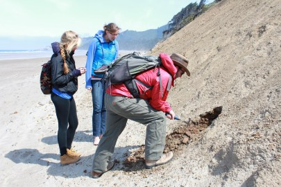 Nick with two UO undergrads exploring the coastal Miocene outcrops near Newport.