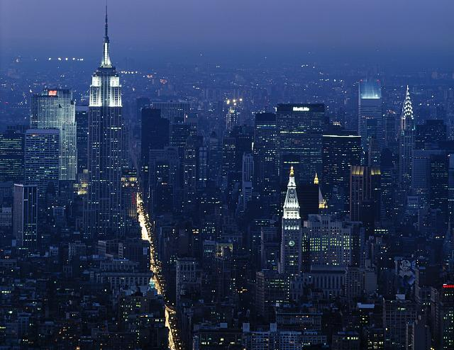The Empire State Building at dusk, shot from the World Trade Center in the 1980s.  (Carol M. Highsmith)