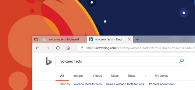 Notepad and Microsoft Edge together in Sets with a transparent title bar.