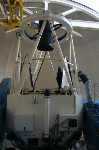 Checking the mirror of the Kitt Peak 2.1m telescope