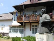 StatueMuzeuGrigorescu