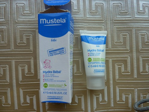 mustela-facial-cream-open