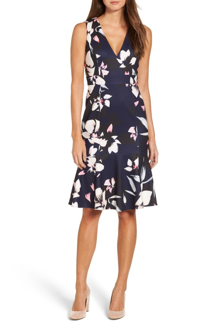 VINCE CAMUTO STRETCH FIT AND FLARE DRESS