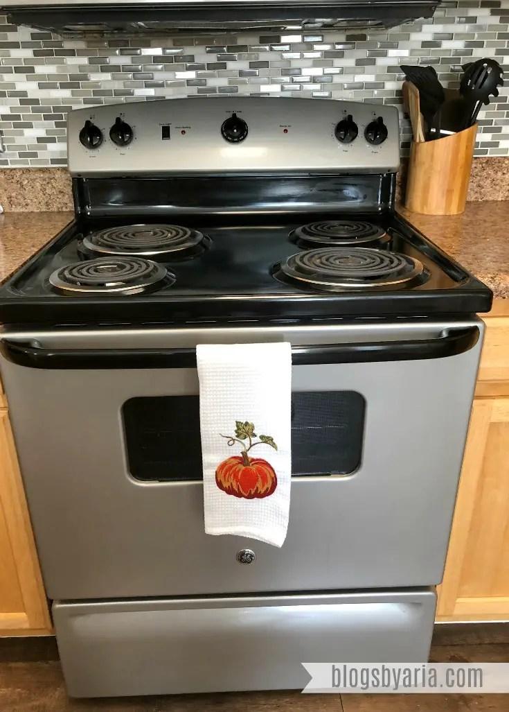 Fall Kitchen Decor #falldecor