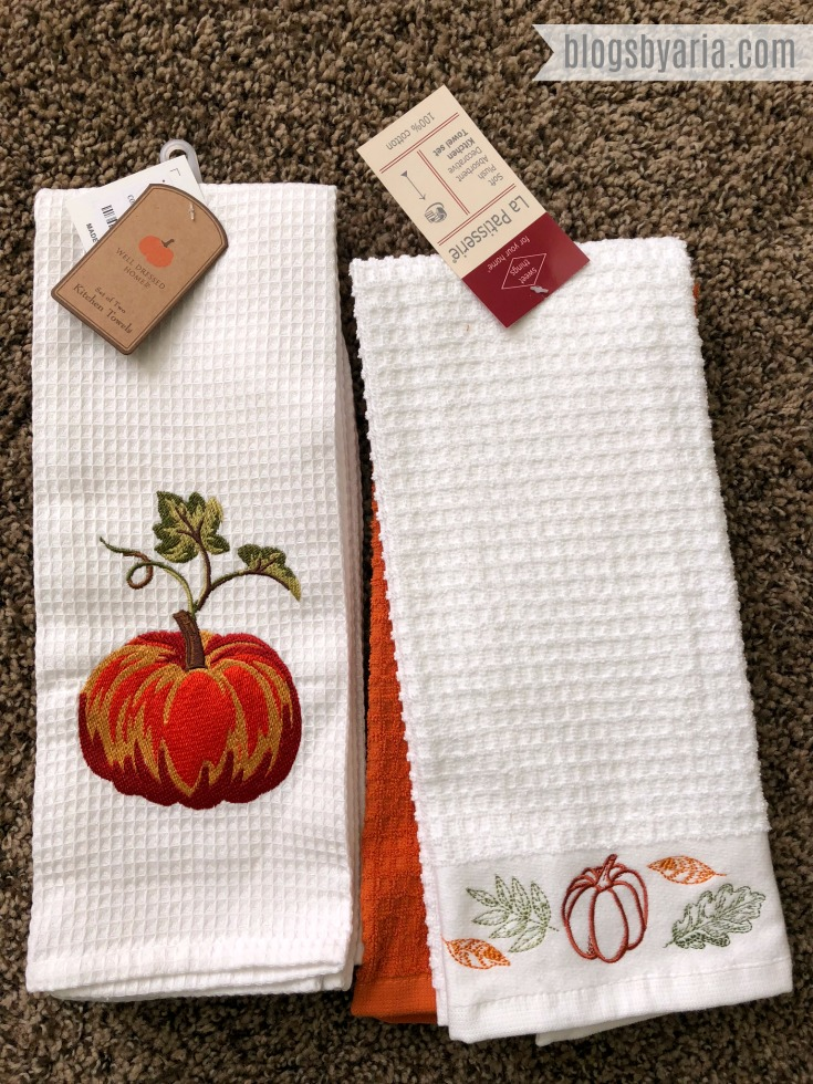 Pumpkin Tea Towels perfect for adding fall decor touches to the kitchen and bathroom