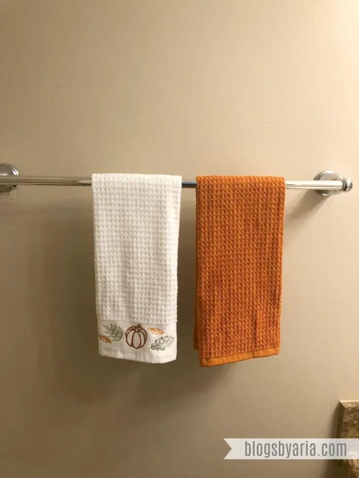 Fall Towels in powder bathroom #falldecor