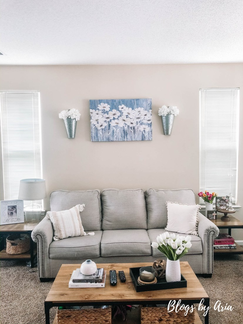Spring decor living room