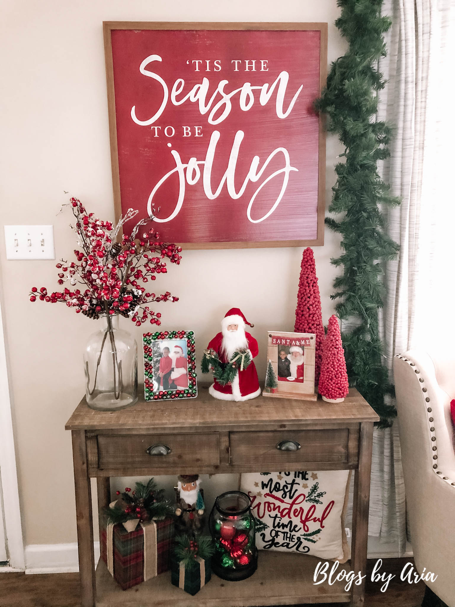 Christmas entryway table decorating ideas