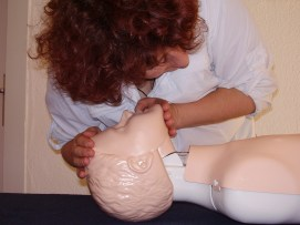 first-aid-1253140_1920