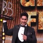 "Big News ""Bigg Boss 13 winner Sidharth Shukla dies of heart attack at 40"""