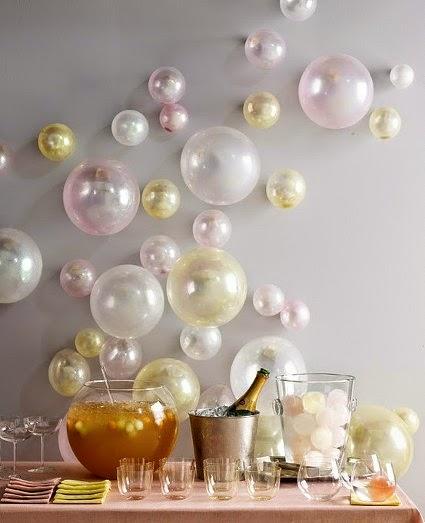 Balões perolados no parede