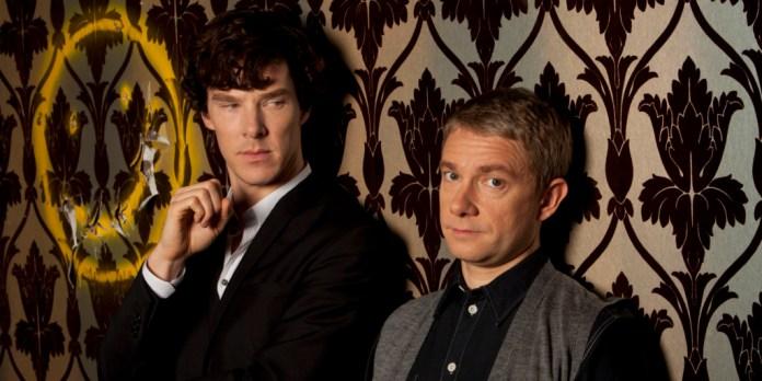 SHERLOCK: (L-R) Sherlock Holmes (BENEDICT CUMBERBATCH), Dr John Watson (MARTIN FREEMAN) - (C) Hartswood Films - Photographer: Colin Hutto