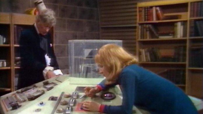 Doctor Who (Jon Pertwee) and Liz Shaw (Caroline John) - Doctor Who - Inferno (c) BBC
