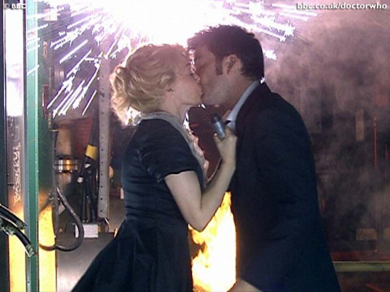 Astrid Peth Kisses The Tenth Doctor - Doctor Who - Voyage of the Damned (c) BBC