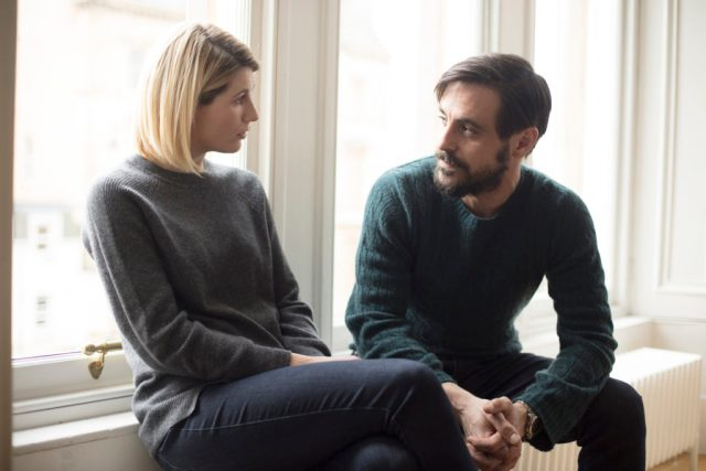 Trust Me - Ep4 (No. 4) - Picture Shows: Ally (JODIE WHITTAKER), Dr Andy Brenner (EMUN ELLIOTT) - (C) Red Productions - Photographer: Mark Mainz