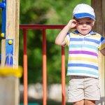 Enfant en détresse au parc