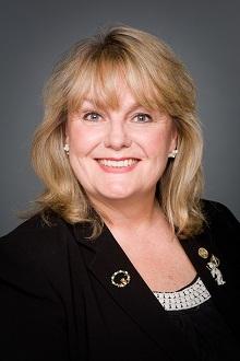 kerry-lynne-d-findlay-ministre-du-revenu-du-canada-2014