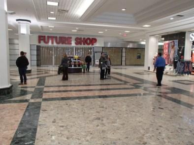 la-fin-des-magasins-futureshop-au-canada-1