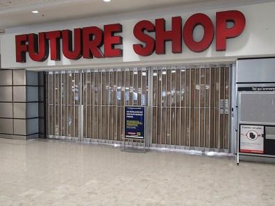 la-fin-des-magasins-futureshop-au-canada-4