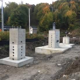 Les pylônes ont été complétés et toutes les infrastructures en béton sont maintenant terminées.