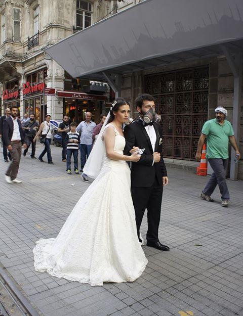 Pareja de novios disturbios Estambul